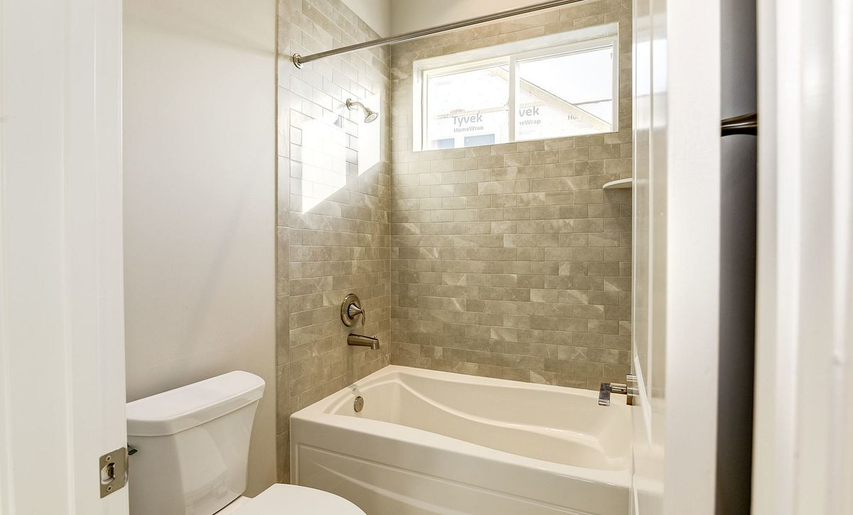 Trilogy at Lake Frederick Hensely Plan Quick Move In Guest Bath
