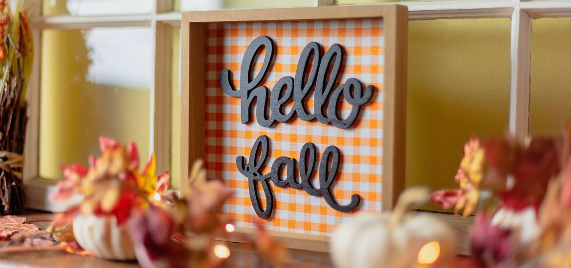 Lifestyle Hello Fall Decor