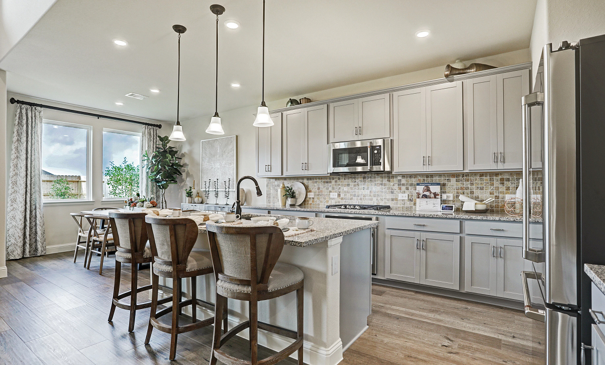 Del Bello Lakes Plan 4069 Kitchen