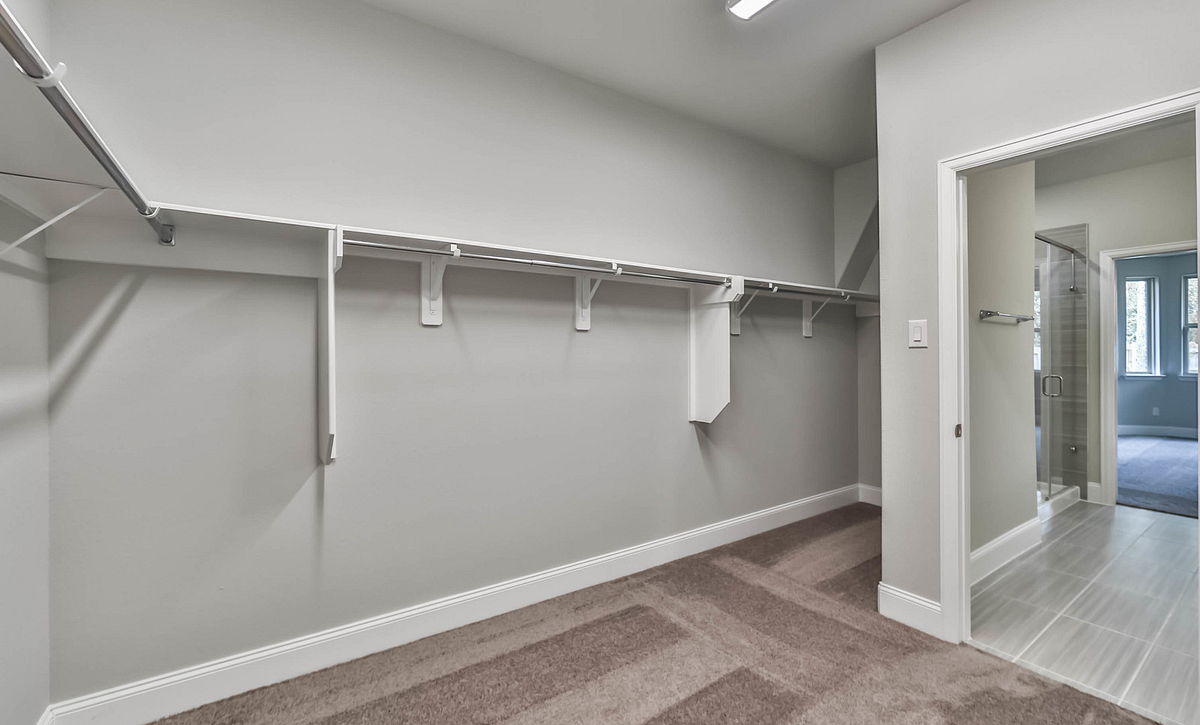 Plan 4019 Primary Closet
