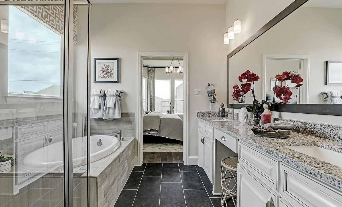 Del Bello Lakes Plan 4125 Primary Bathroom