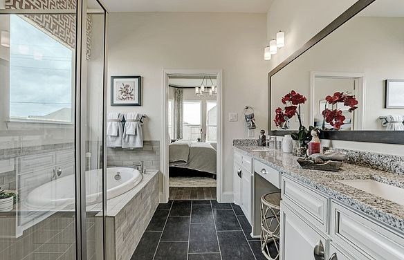 Plan 4125 Master Bath