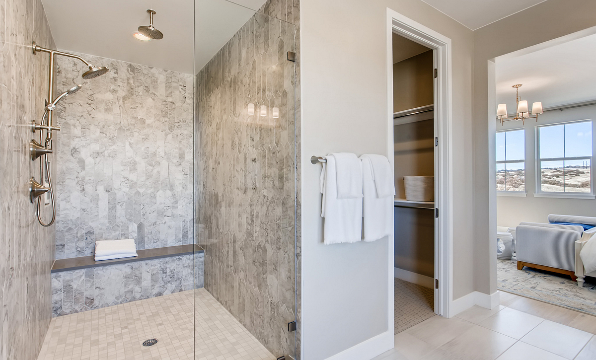 Canyons Luxe Hyde Master Shower