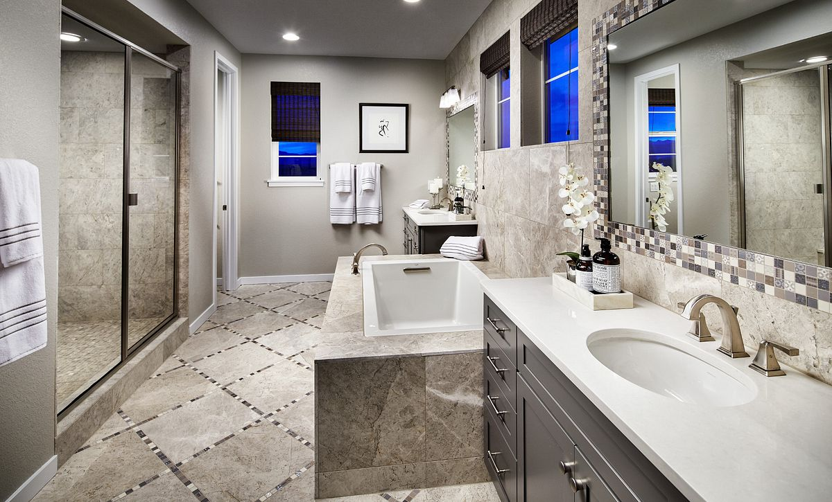 Colliers Hill Peakview Morning Star Master Bath