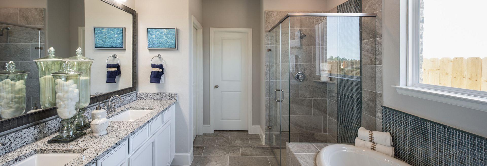 Plan 4039 Master Bath