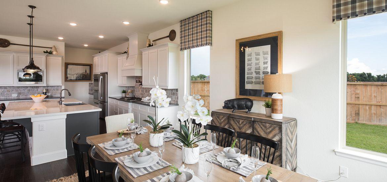 Sienna Plantation Plan 5118 dining room
