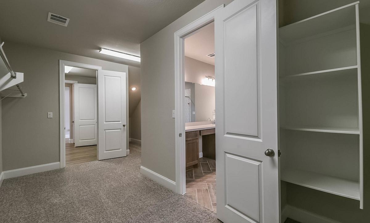 Harper's Preserve Plan 5069 Closet