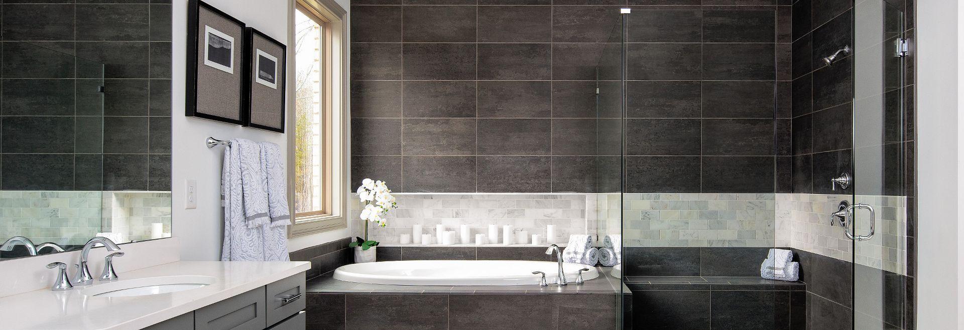 Amherst Plan Owner's Bath