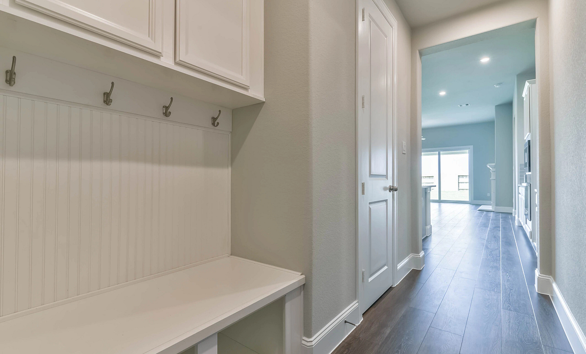 Del Bello Lakes Plan 5039 Mudroom