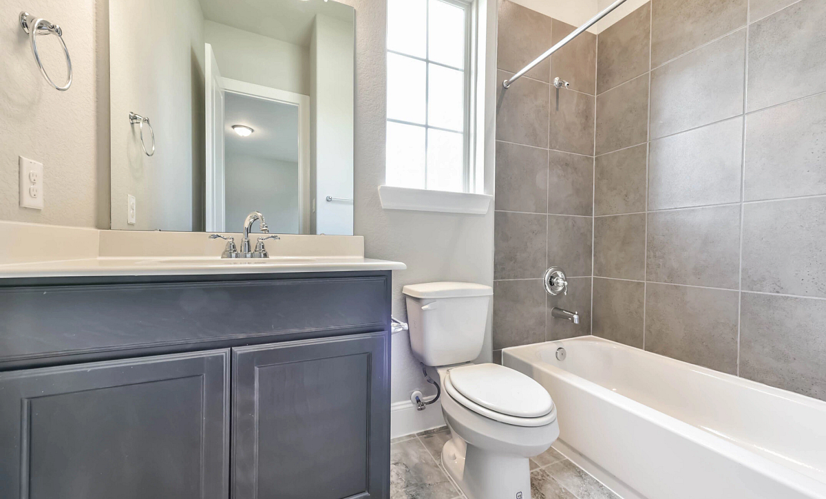 Plan 6015  Bathroom