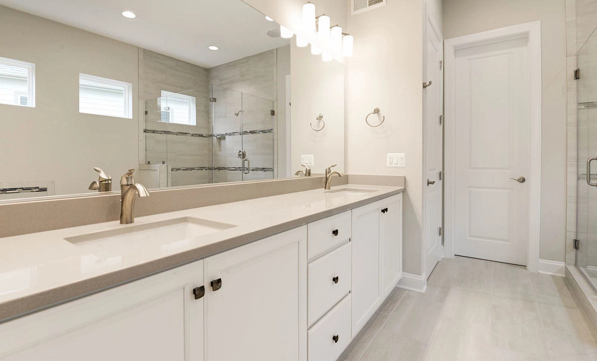 Trilogy at Lake Frederick Quick Move In Home Henley Plan Owner'S bath