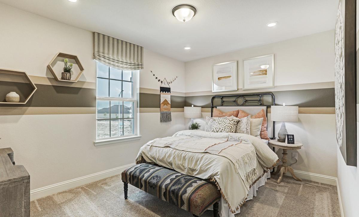 Del Bello Lakes 50 Plan 4069 Bedroom