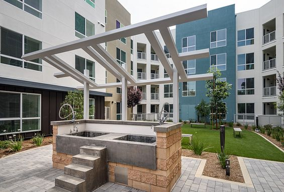 Vantis Apartments in Aliso Viejo, CA is smoke-free and pet-friendly