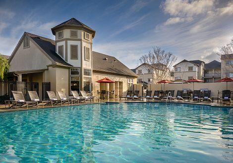 Sycamore bay apartments newark amenity pool