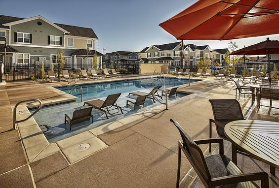 Lucent Blvd Apartments Highlands Ranch Pool Amenity