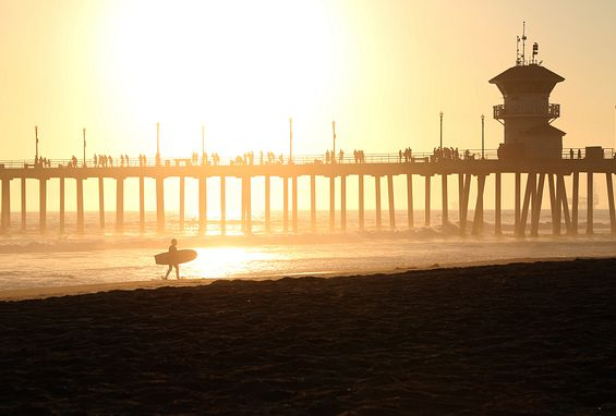 Crystal Springs Apartments is conveniently located off the 405, bordering Huntington Beach
