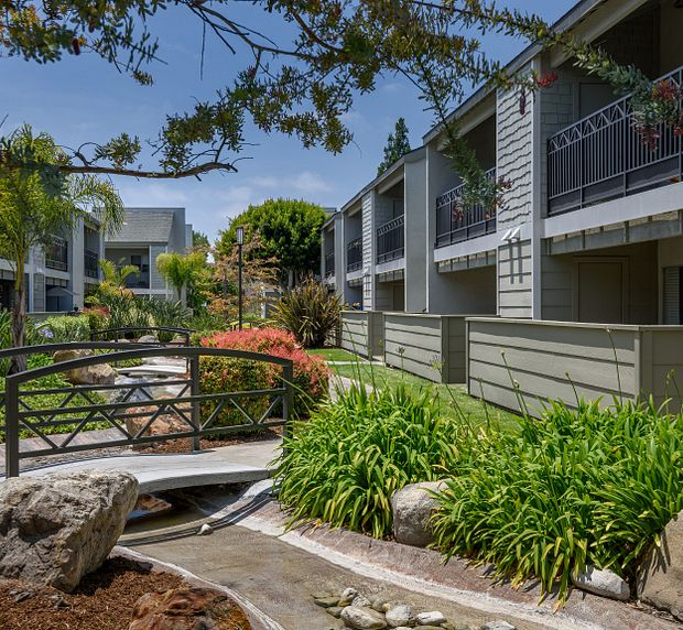 Crystal Springs Apartments in Fountain Valley