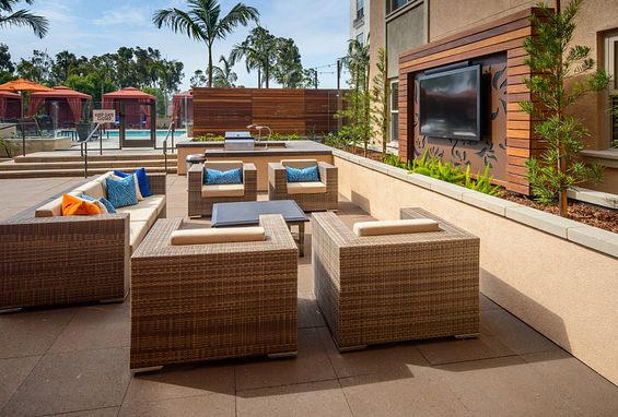Reata oakbrook village apartments laguna hills amenity outdoor lounge