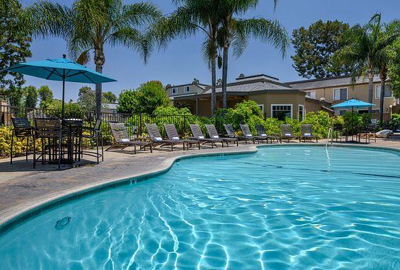 Woodbridge Apartments Irvine Pool Amenity