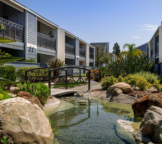 crystal springs apartments fountain valley CA