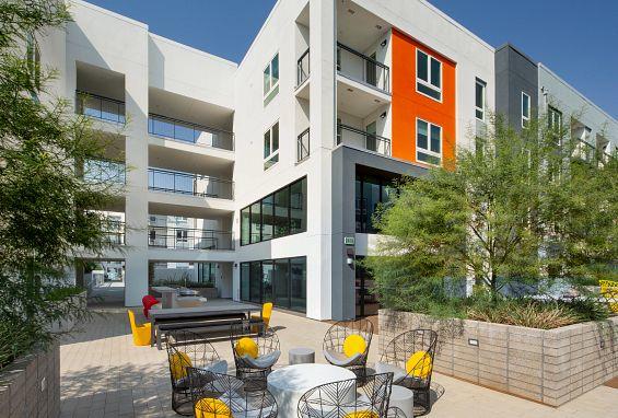 Symmetry apartments northridge courtyards