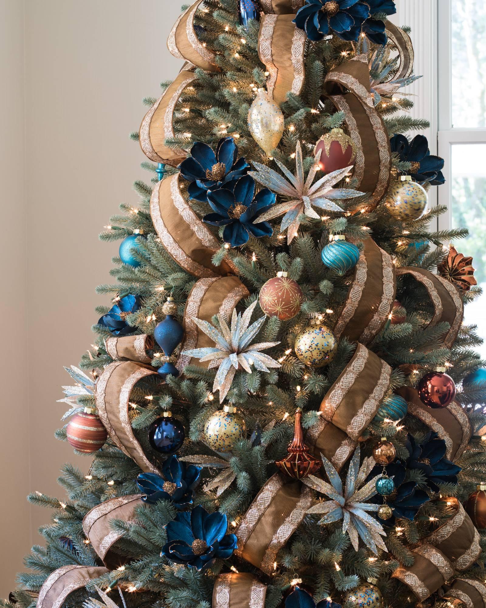 Xmas Tree Decorations With Ribbons: Lexington Christmas Ornament Set