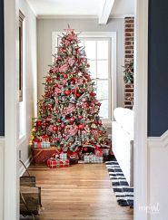 full Christmas tree with red decorations