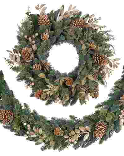 Noble Fir Gilded Wreath Main