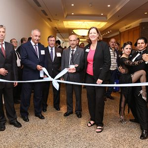 17LACP_Ribbon-Cutting-Exhibition