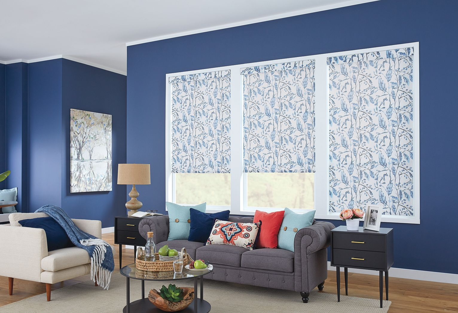 Roller Shades with Cordless Lift: Robin, Waterlily 17401 with Contour Valance