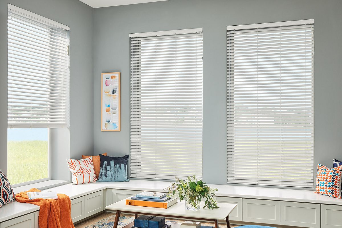 Vinyl horizontal blinds
