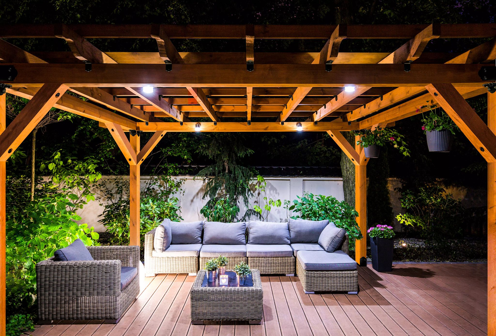 Outdoor Accents - Design Your Outdoor Living Space