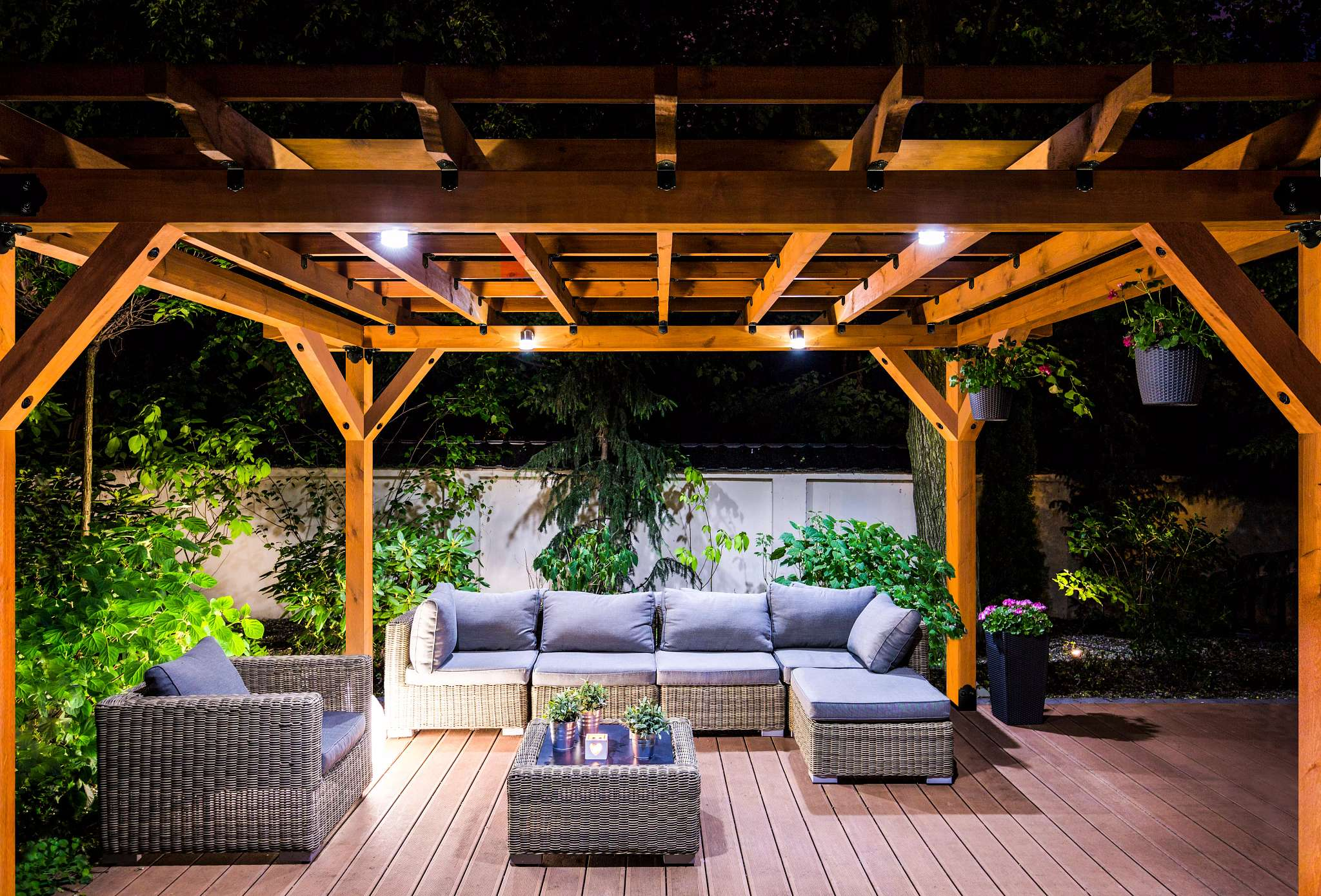Outdoor Accents — Design Your Outdoor Living Space