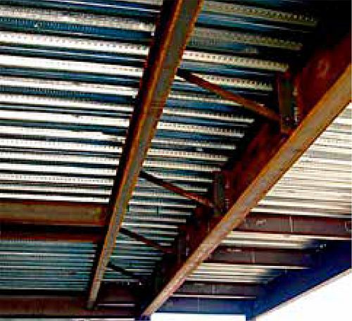 Consequences of Inadequate Bracing, Figure 3 - Beam Lateral Bracing (Concrete Slab at Top)