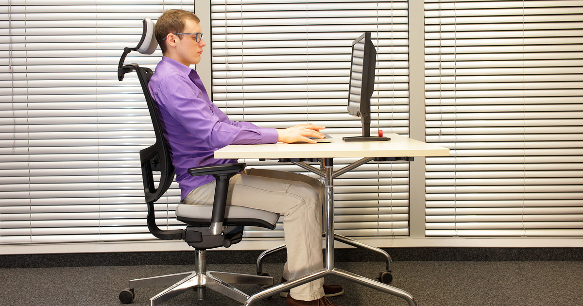 9 Ergonomic Tips For Synchronizing Your Work Station And Office Chair