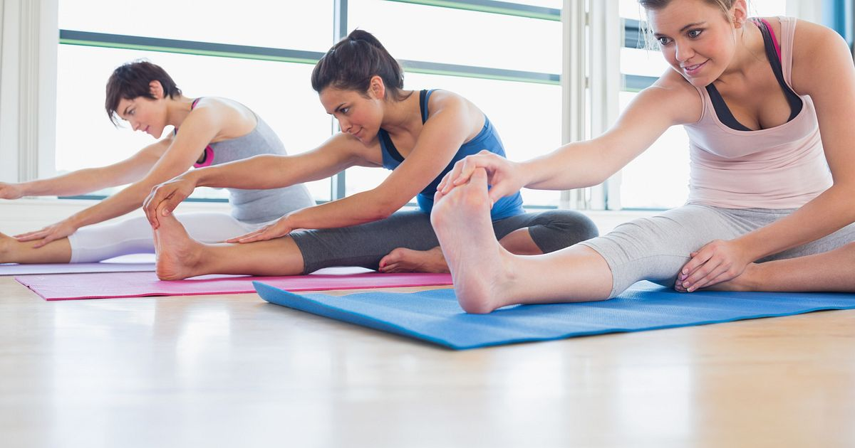 4 Beginning Yoga Poses For Those With Scoliosis
