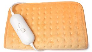 Heating pad with control