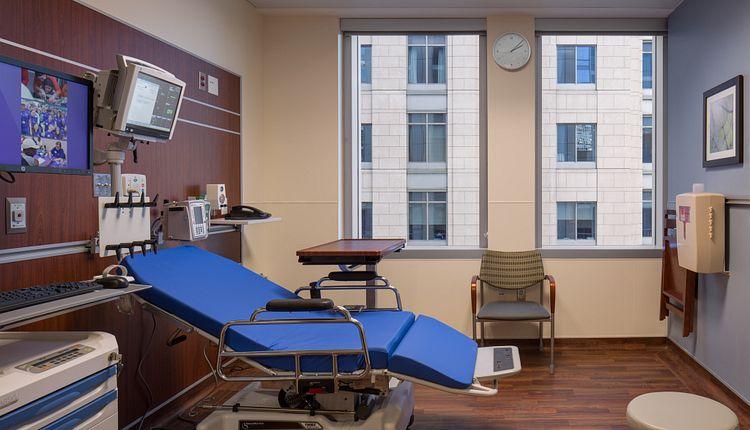 Northwestern Medicine Spine Center Patient Room