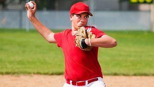 baseball throwing motion