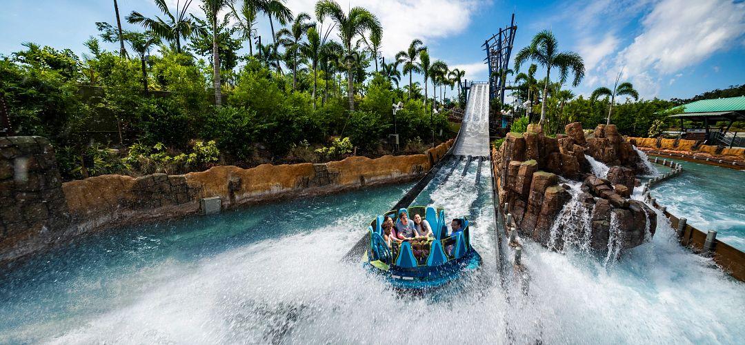 People on Seaworld's raft water ride, Infinity Falls