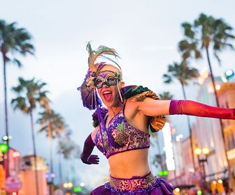 8501_mardi_gras_dancer.jpg