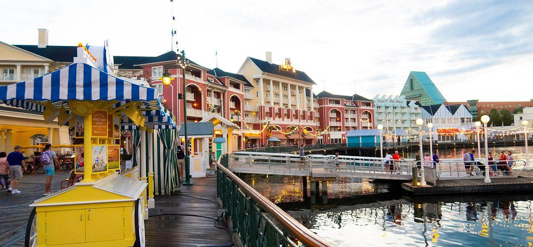 Que rajouteriez et/ou modifiriez vous à Disneyland Paris ? - Page 8 Pr_katie_ellison_boardwalk