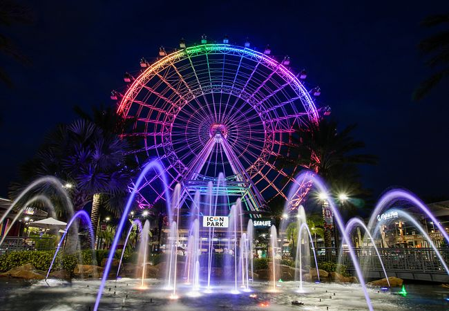 Romance Is in the Air on New Year's Eve at ICON Orlando 360