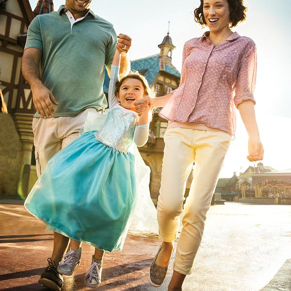 Family at Orlando Theme Park - Get Discount Tickets Todays