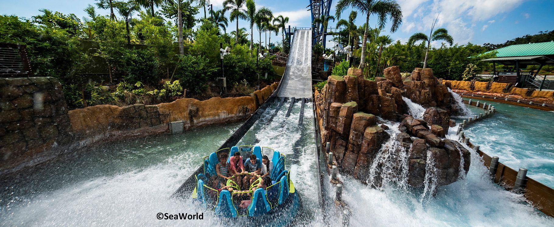 Equitação em família Infinity Falls passeio de água no Seaworld Orlando