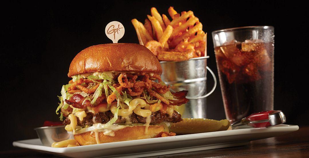 6243_burger_fries_drink.jpg