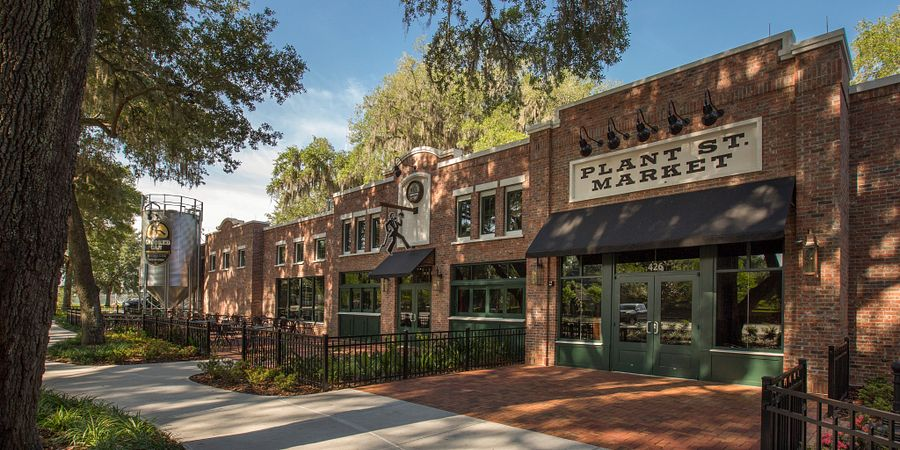 Get to know the dining, culture and outdoor adventures that make the city of Winter Garden one of the Orlando area's most charming communities.