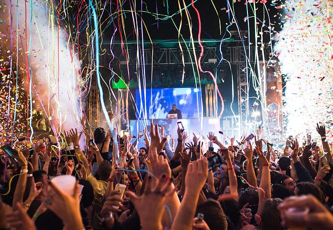 Get Wild With Your S.O. on New Year's Eve at Wall St. Plaza in Downtown Orlando
