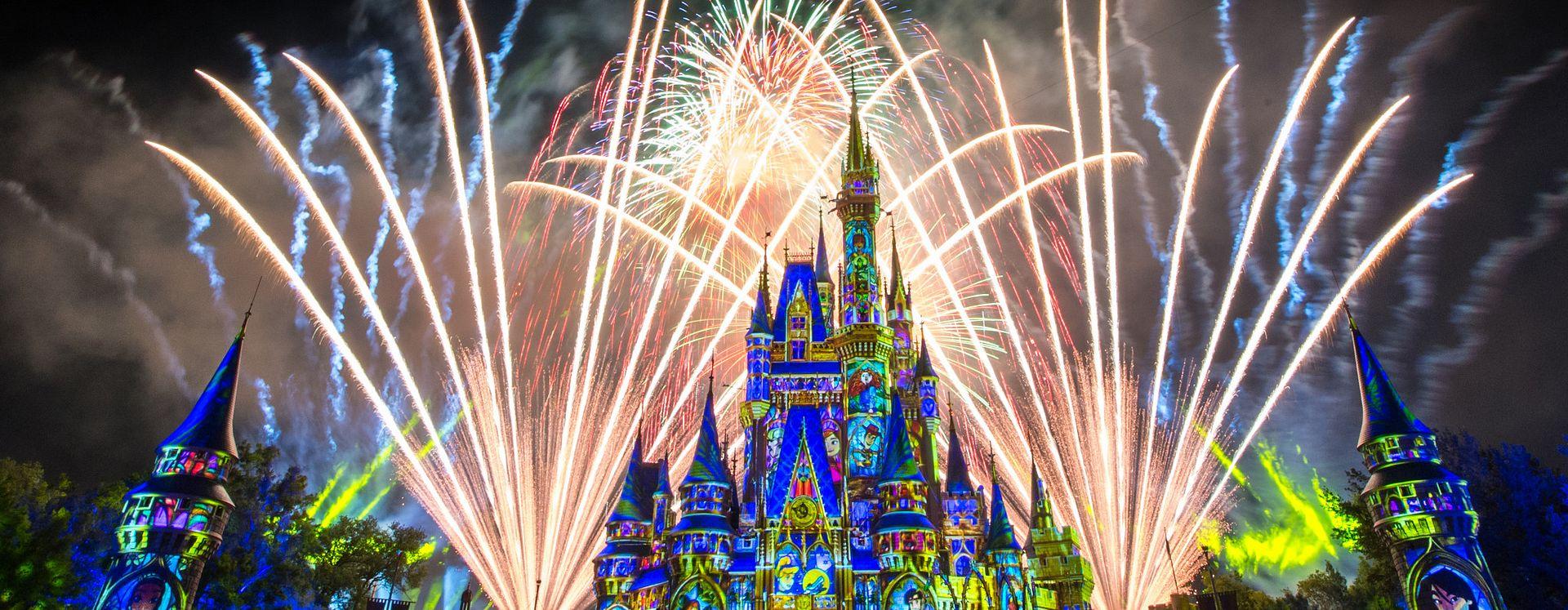 Fuegos artificales en Magic Kingdom Theme park