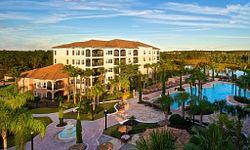 Exterior and courtyard of WorldQuest Orlando Resort